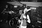 Disfrutando encima del escenario con mi banda de heavy metal. Jackson rr24