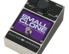 pedal efecto chorus Electro harmonix small clone