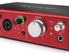 Focusrite - Interfaz de audio Pre USB Clarett con 10 entradas y salidas
